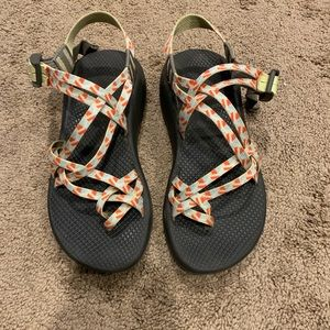 Women's chacos!!